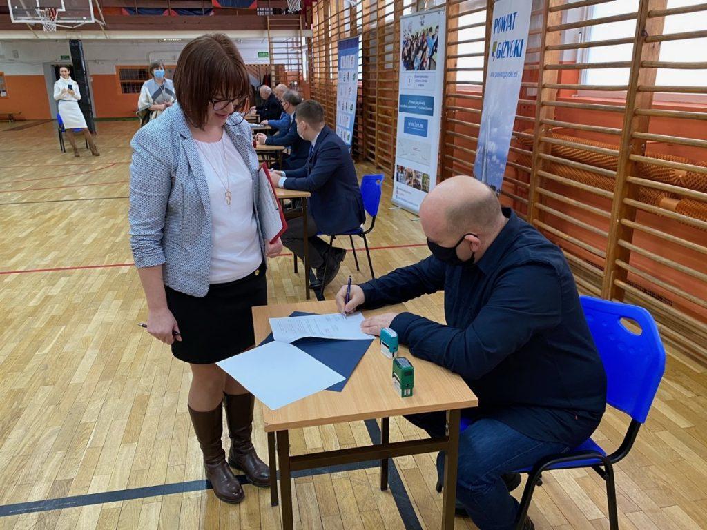 podpisanie umowy na klasę Mistrzostwa Sportowego