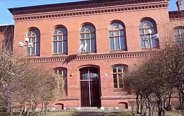 I Liceum Ogólnokształcące - zdjęcie budynku
