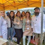 zdjecie - uczniowie Zespołu Szkół Zawodowych pomagają w walce z nowotworem