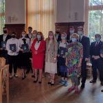 zdjęcie stypendystów z powiatu giżyckiego
